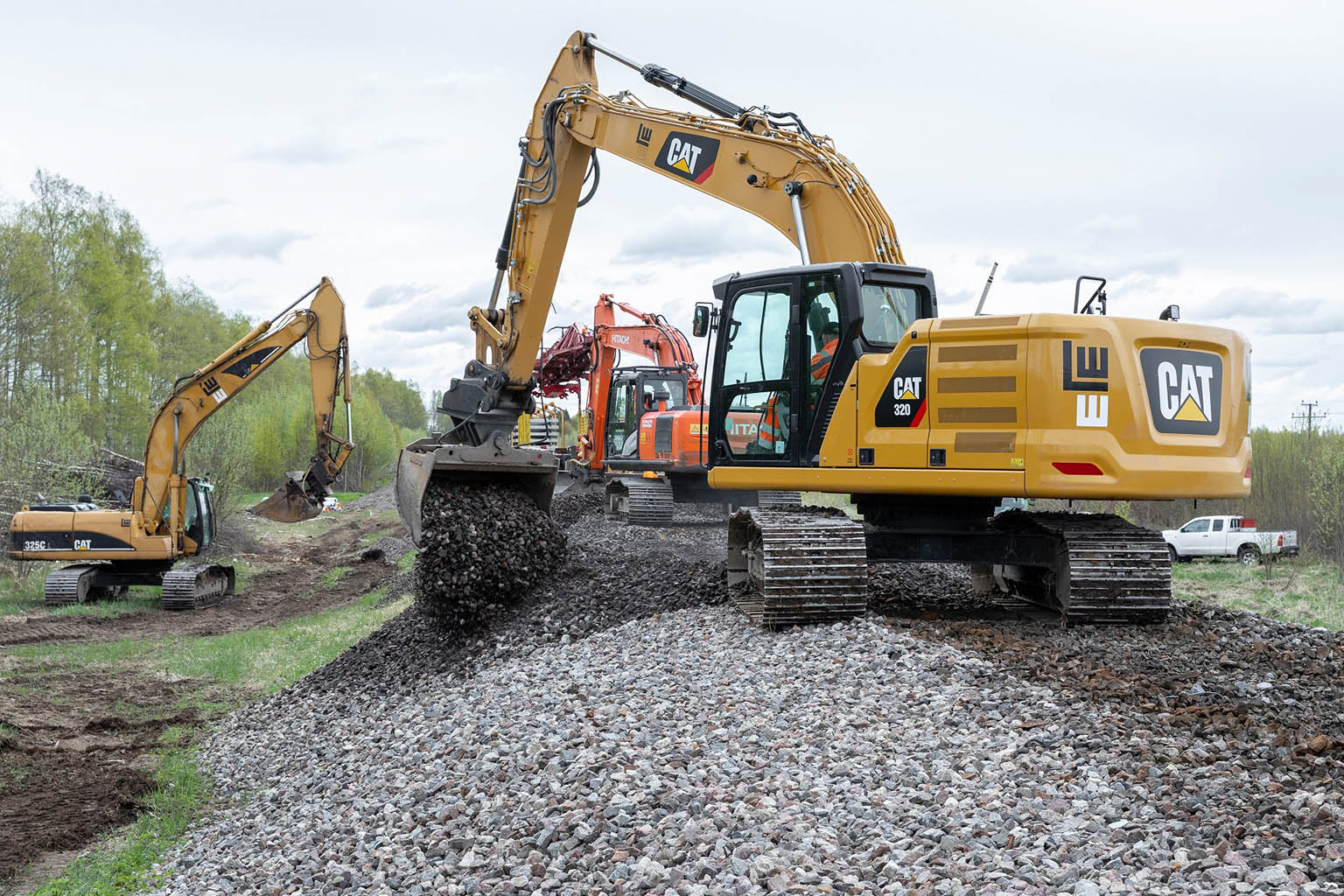 Construction and maintenance of tracks and infrastructure